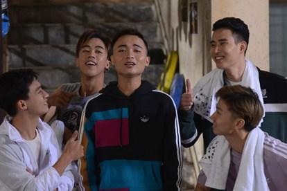 Lời bài hát Anh Thanh Niên Mp3 HuyR thể hiện